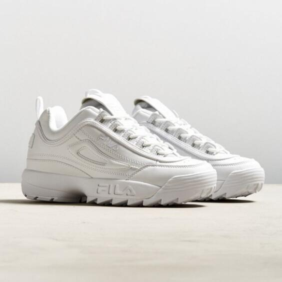 Urban Outfitters: FILA Disruptor 2 Sneaker $35(原價$70)